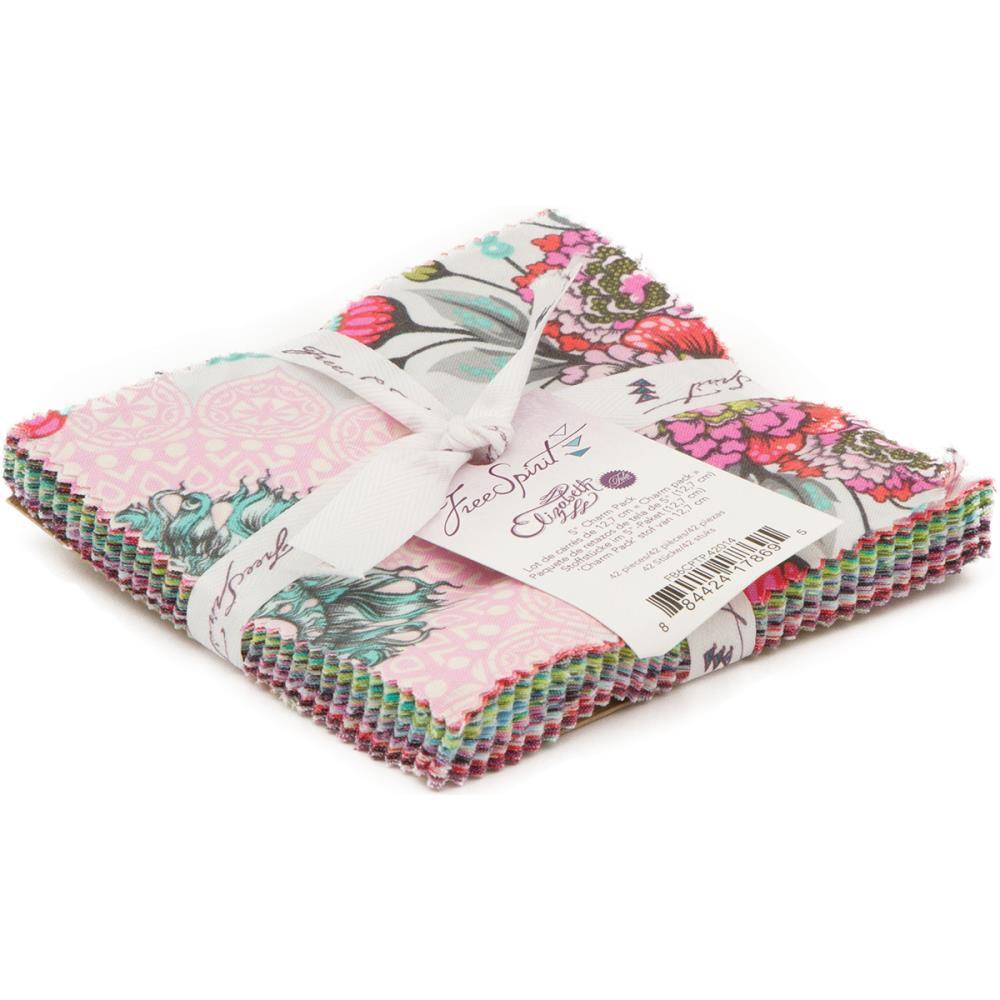 מארז רבעים שמנים: Elizabeth -Tula Pink Charm Pack