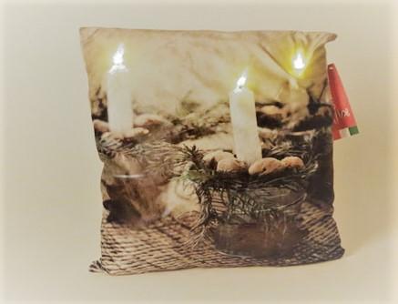 כרית קריסמס עם תאורת לד - נר