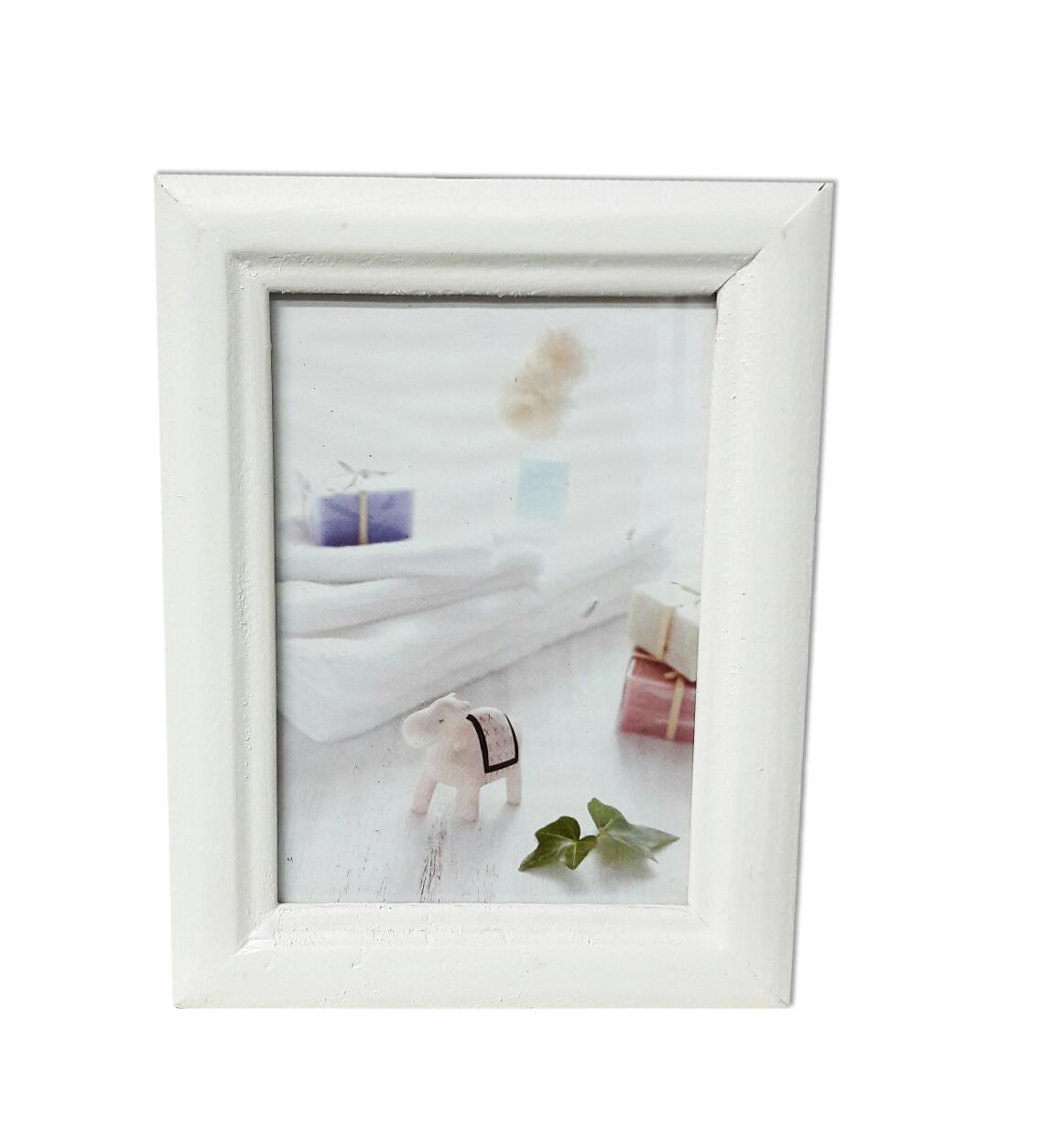 מסגרת עץ לבנה קטנה