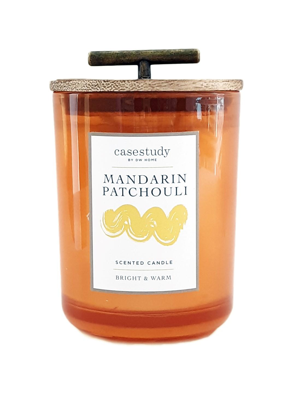 נר צילינדר גדול עם מכסה עץ וידית זהב - Mandarin Patchouli