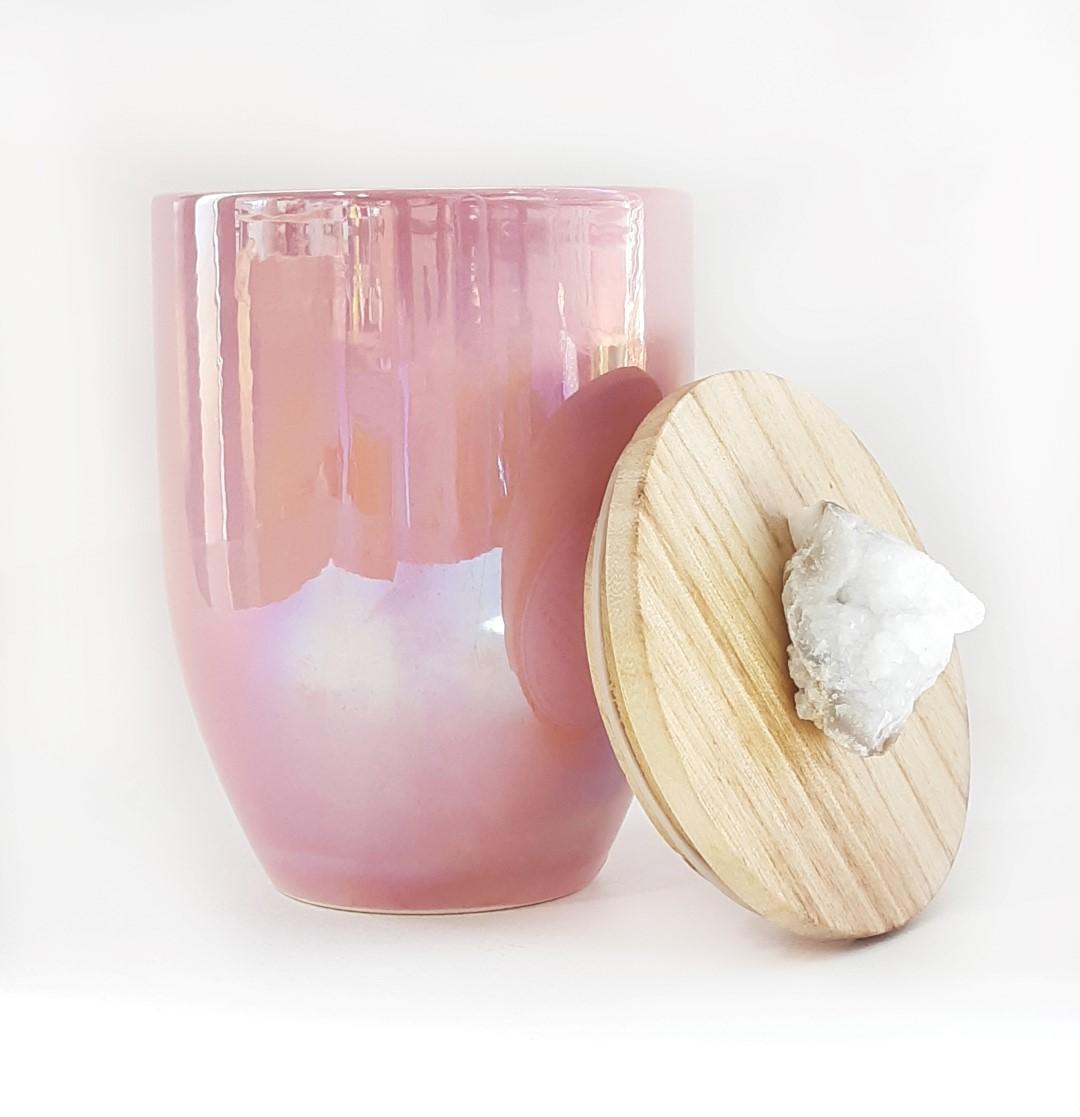 נר גדול עם מכסה עץ וידית אבן - Pink Fig & Apple