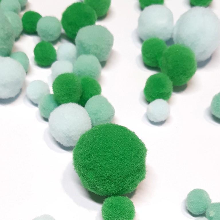 פונפונים צבעוניים - ירוק/תכלת