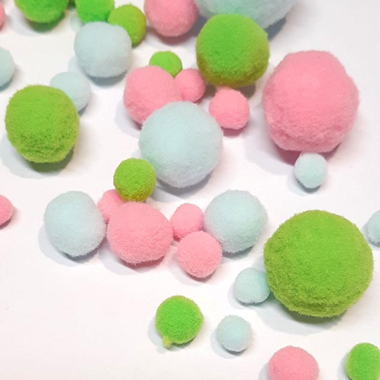 פונפונים צבעוניים - תכלת/ורוד/ירוק