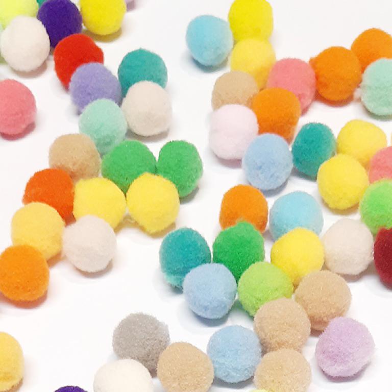 פונפונים צבעוניים קטנים - מגוון צבעים