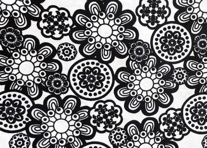 רבע שמן - שחור/לבן - פרחוני