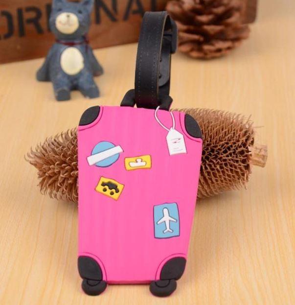 תג למזוודה - מזוודה בצבע ורוד פוקסיה